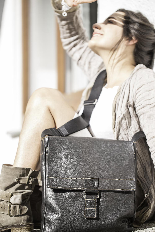 Handgemachte Tasche von Sonnenleder, Model: Ester, Schliersee, 2014