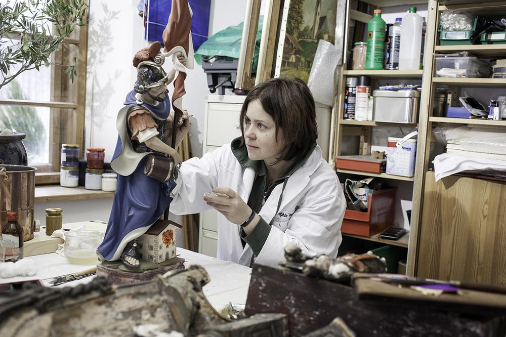 Sophie Ziegler, restorer of sacred art, Fischbachau, 2015