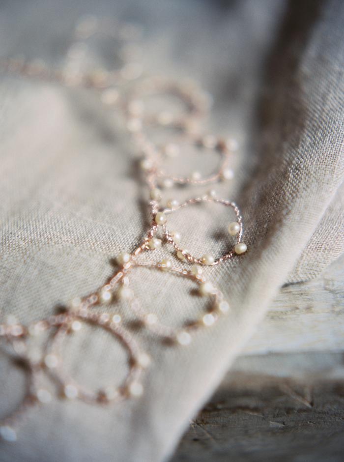 6-delicate-heirloom-wedding-jewelry.jpg