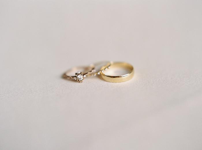 10-delicate-gold-wedding-jewelry.jpg
