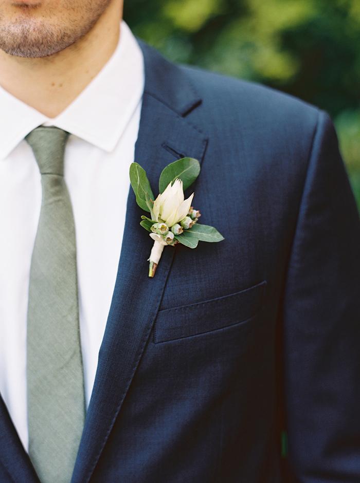 15-elegant-outdoor-spring-wedding.jpg