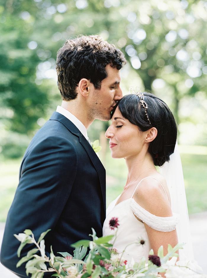 23-romantic-outdoor-spring-wedding-inspiration.jpg