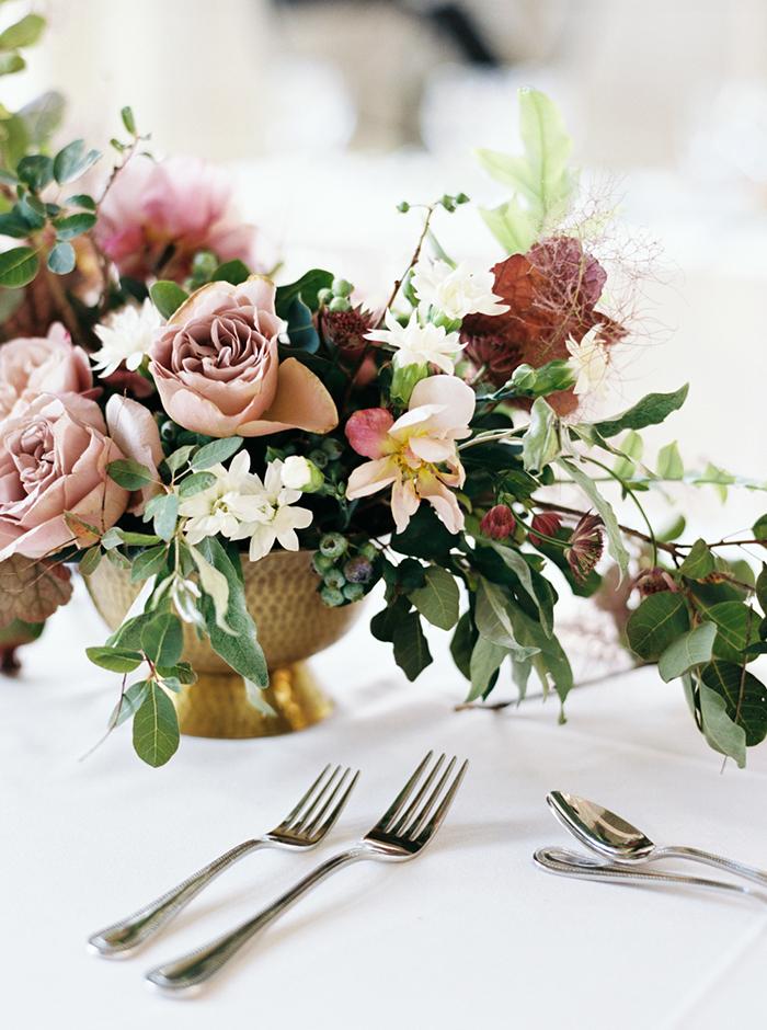 27-natural-pink-green-white-wedding.jpg