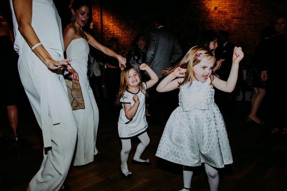brooklyn-wedding-photographer-amber-gress-0562-.jpg