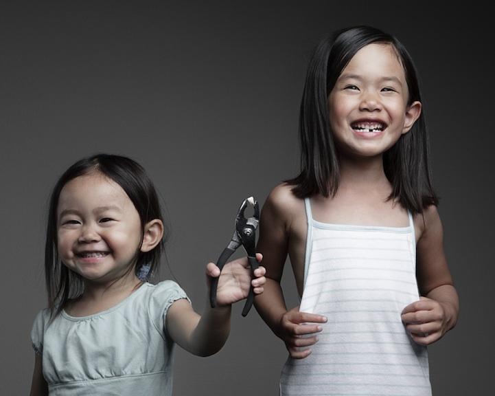Jason Lee  es un fotógrafo de casamientos que  despunta su lado creativo utilizando a sus propias hijitas como modelos .