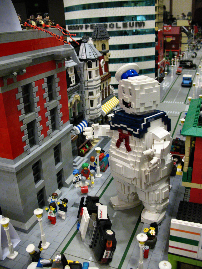 La escena final de Los Cazafantasmas, recreada en bloques Lego. (vía)