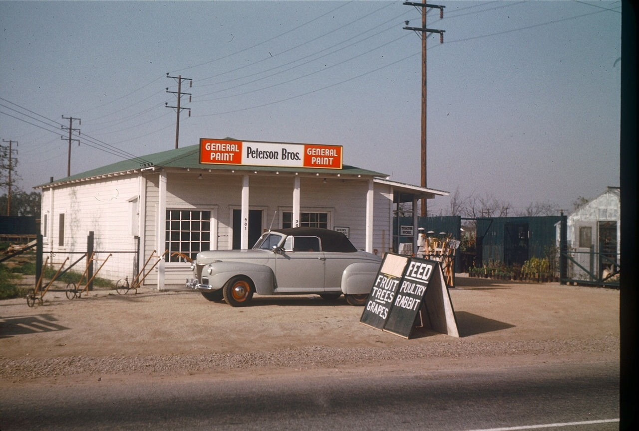 Gary Alinder , autor del blog  Macro Chef , comparte  algunas fotografías sacadas por sus padres en California en los años '40 .