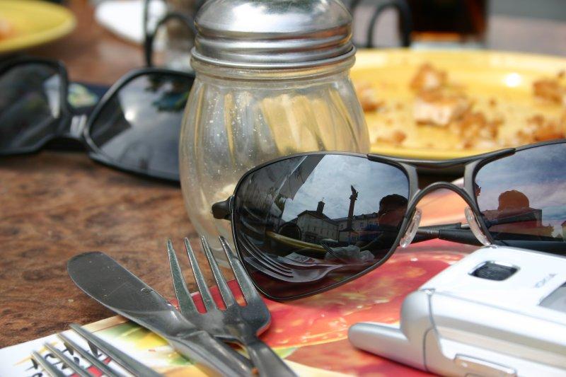Una plazoleta de Bad Homburg reflejada en los lentes del fotógrafo