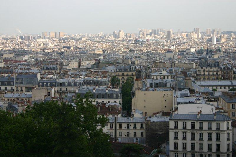 Vista panorámica de los tejados de la ciudad desde la Basílica del Sagrado Corazón