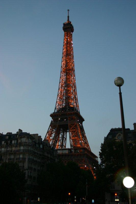 Una vetusta torre junto al Sena, de la cual no se sabe demasiado