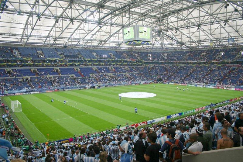 Panorámica del estadio de Gelsenkirchen, una hora antes del comienzo del match