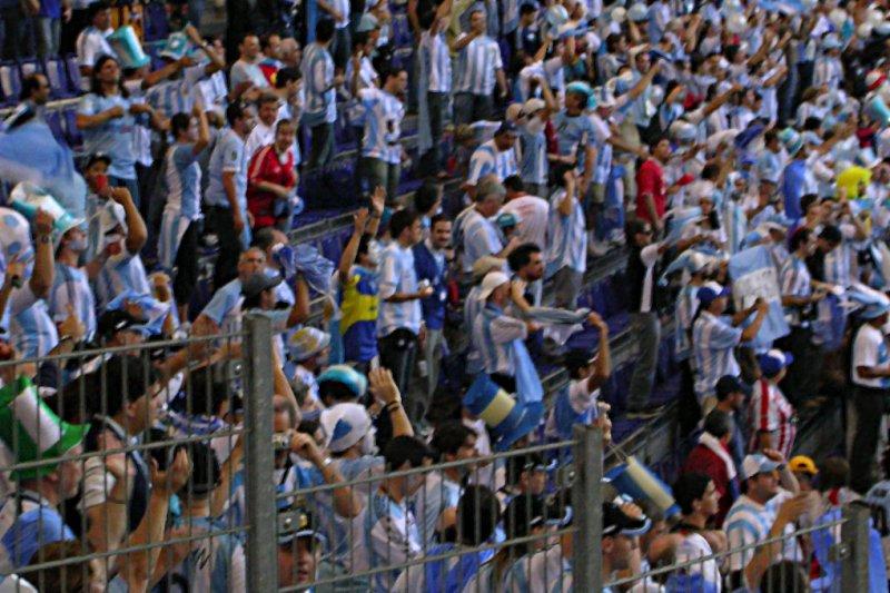 La nutrida comitiva argentina (algo fuera de foco, pero quizás sea mejor así)