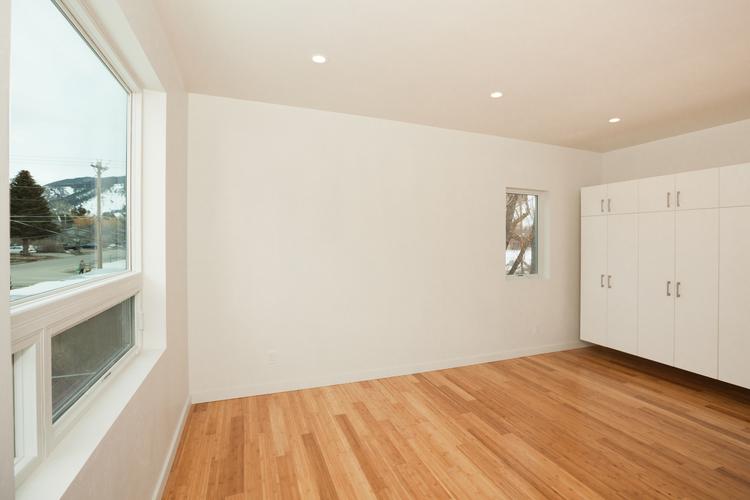 9-Upstairs+bedroom+view+2.jpg