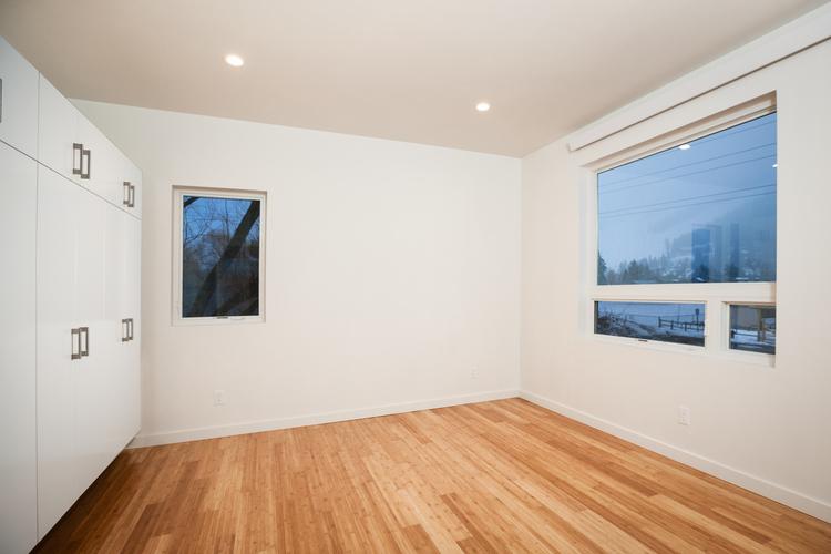 012-Upstairs+Bedroom+2.jpg
