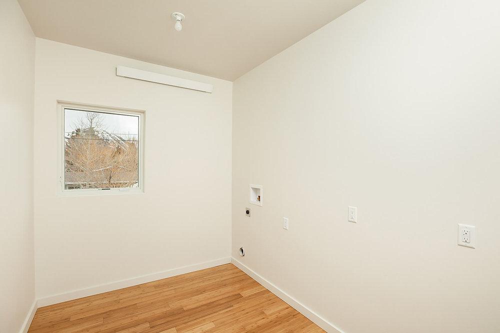 013-laundry room.jpg