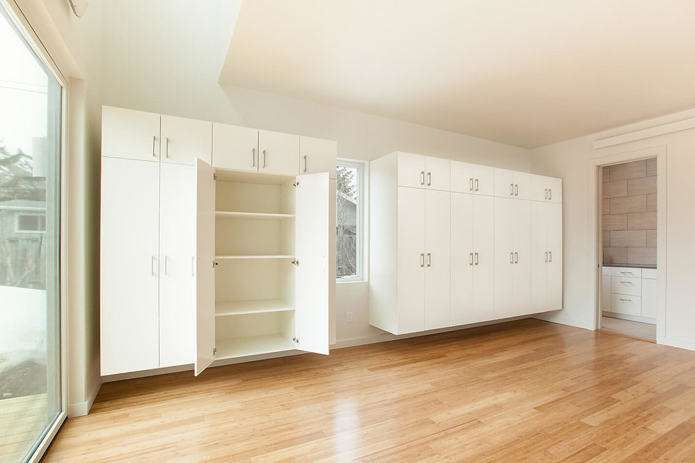 015-master bedroom closet view.jpg