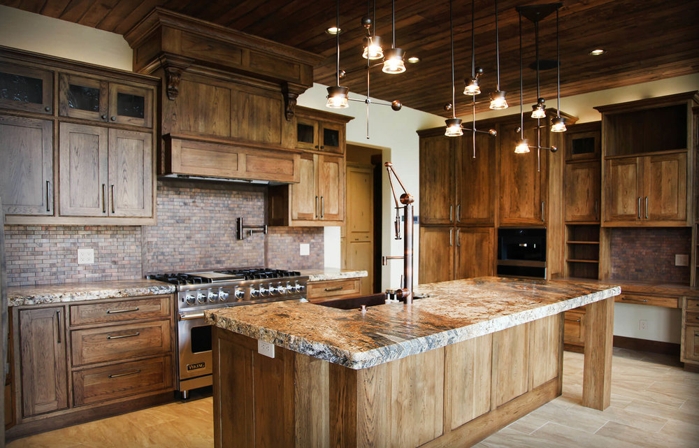 lakeside_8_mountain_rustic_home_design.jpg