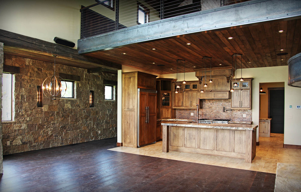 mountain_rustic_home_construction_lakeside_8.jpg