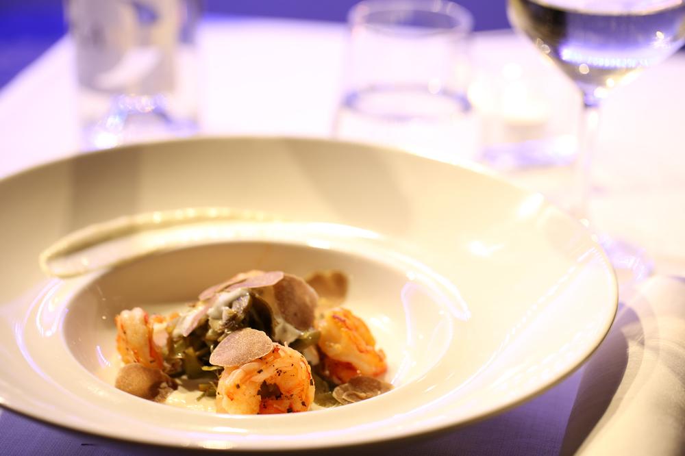 Gamberi con Carciofi scottati e crema di Parmigiano