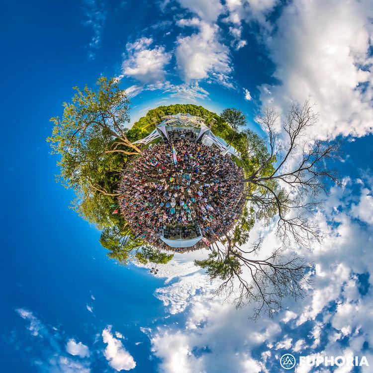 EUPHORIA2016_0408_185026-9146_AGP+Panorama-2.jpg