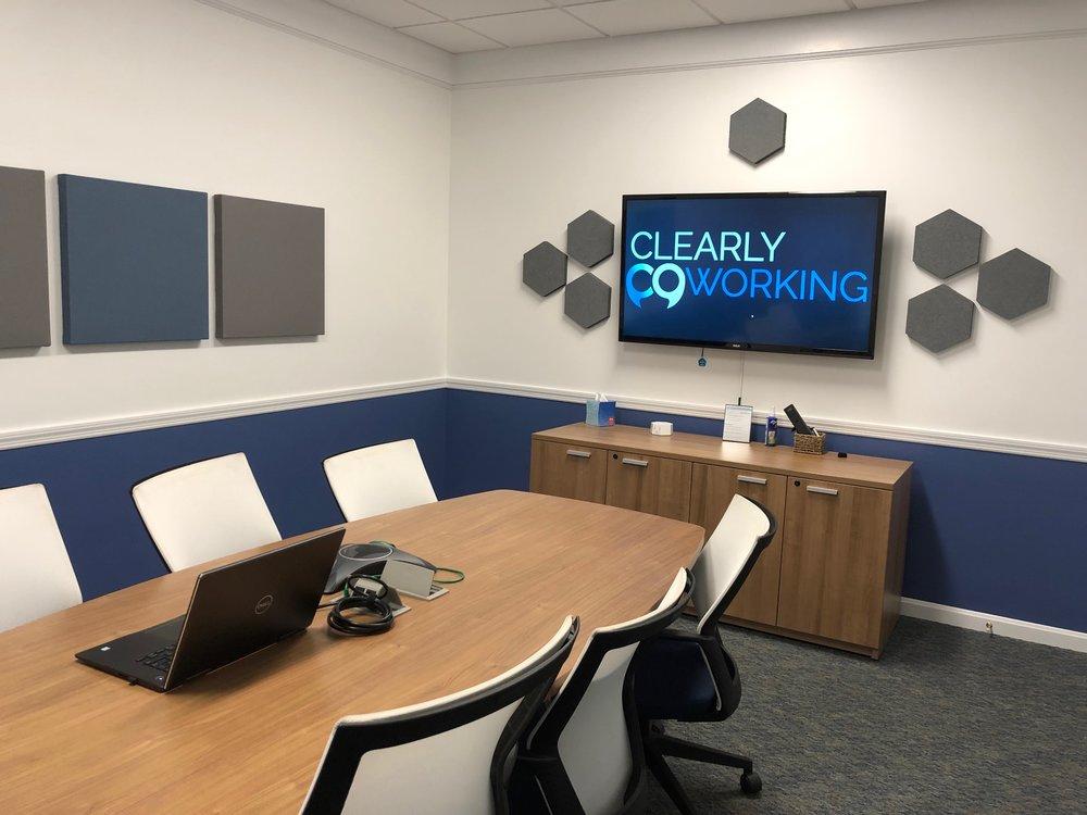 Tatnuck Meeting Room - Seats 8