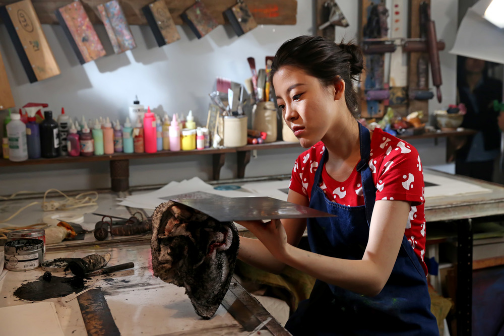Still_Xiaotong working in studio.jpg