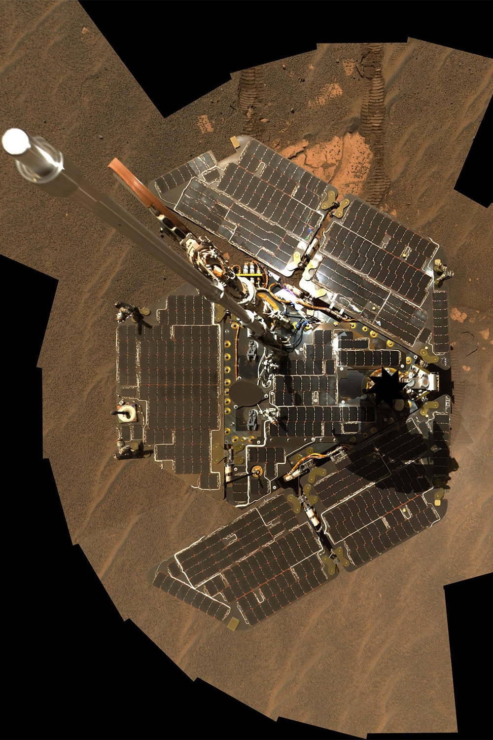 Opportunity photographs its solar panels