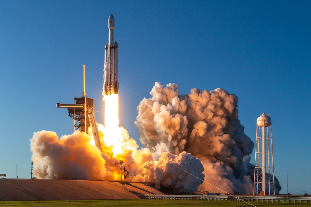 Trevor Mahlman's capture of the second ever Falcon Heavy on liftoff