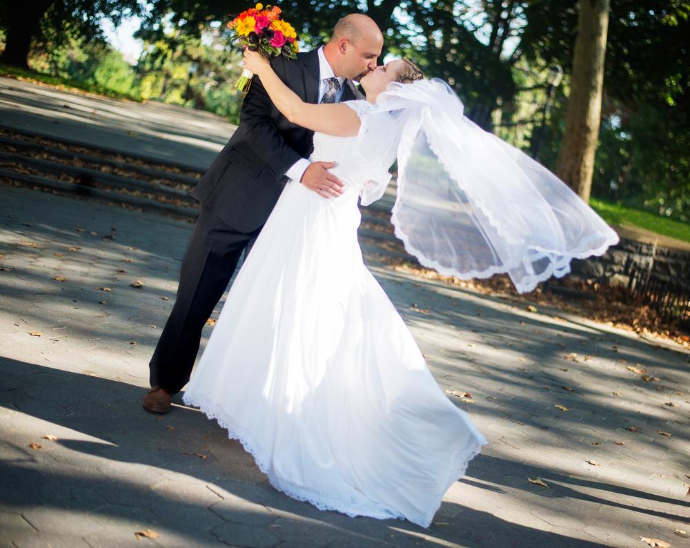 Website Wedding/Engagement/Professional Portraits - Shot By LeVu