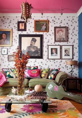 A living room that has no boundaries.