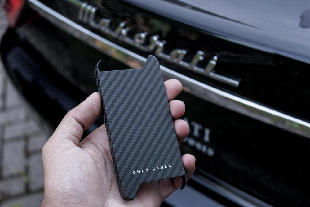 Only Label Carbon Fiber iPhone -1915.jpg