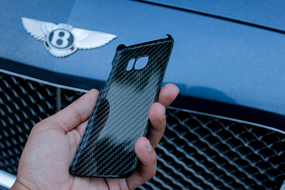 Only Label Carbon Fiber iPhone Samsung Apple-1905.jpg