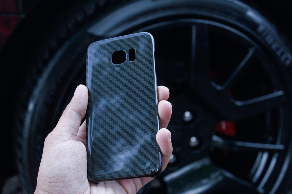Only Label Carbon Fiber iPhone Samsung Apple-1912.jpg