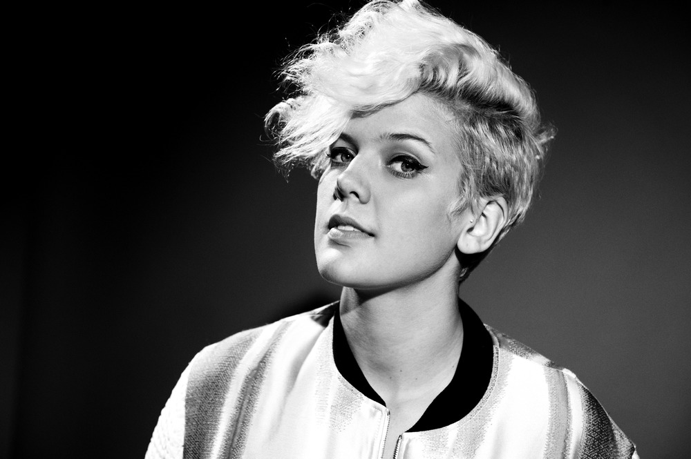 BettyWho_Portraits_092614050.jpg