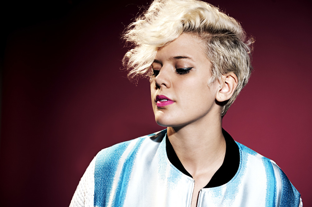 BettyWho_Portraits_092614_049.jpg