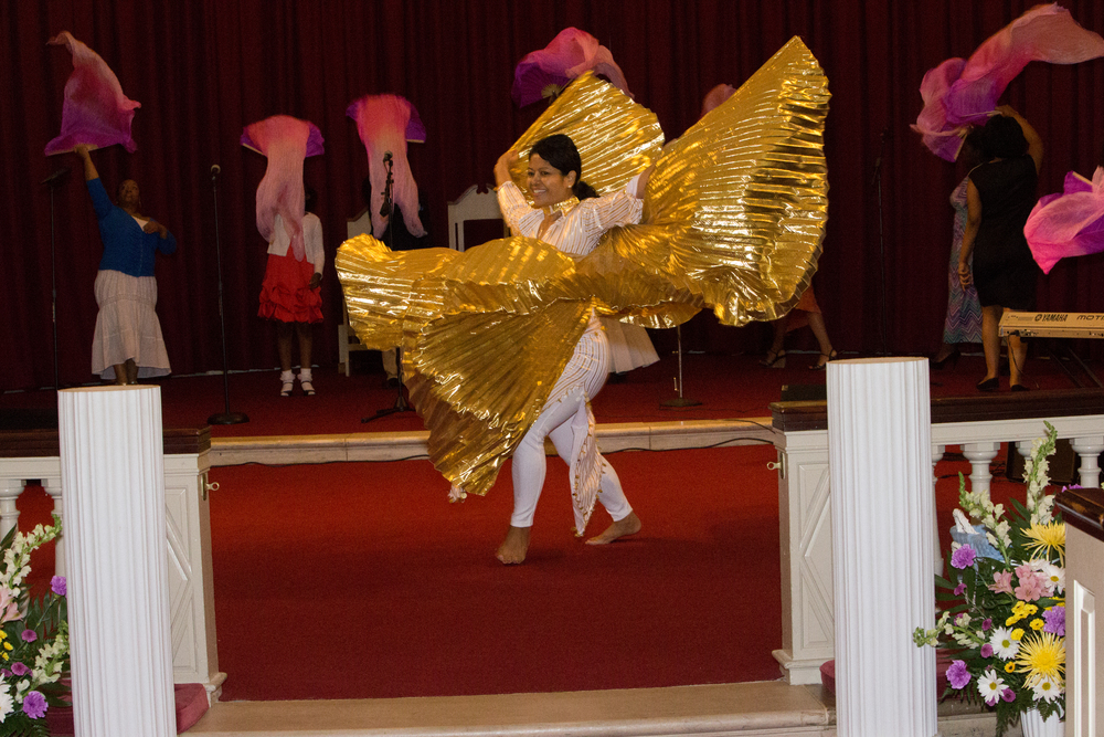 Special Dance Performance by Itis Mitchell and the Wings of Angels