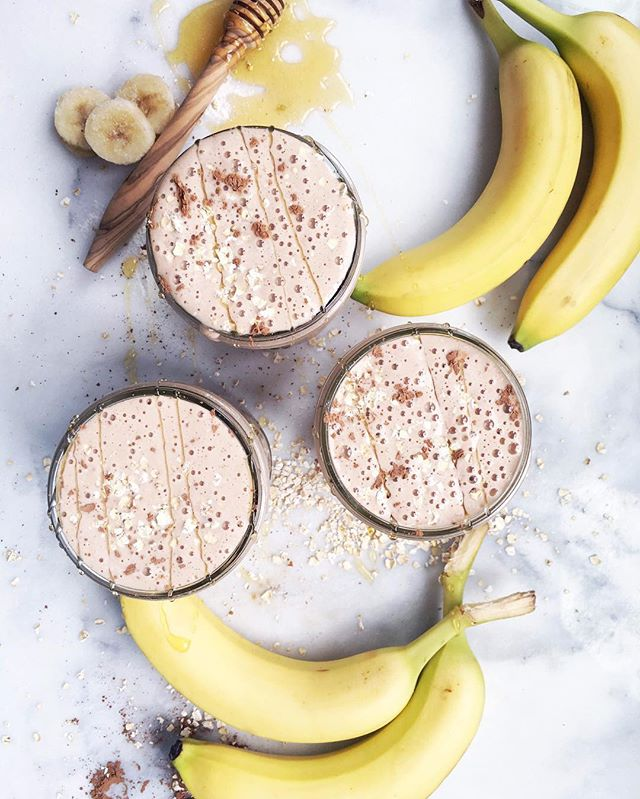 Who wants to try an oatmeal cookie protein shake? I posted my go to recipe over at @blendtec this morning, check it out!😘