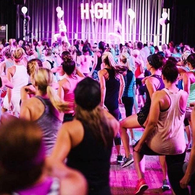 Quick PSA my girl @highfitnessemily is teaching a free H⚡️GH fitness class tomorrow, head to her page for the details- there isn't anything better than the workout you get from it- it's basically like a concert 💥 I hope to see you there!✨ #foodiefollowfriday