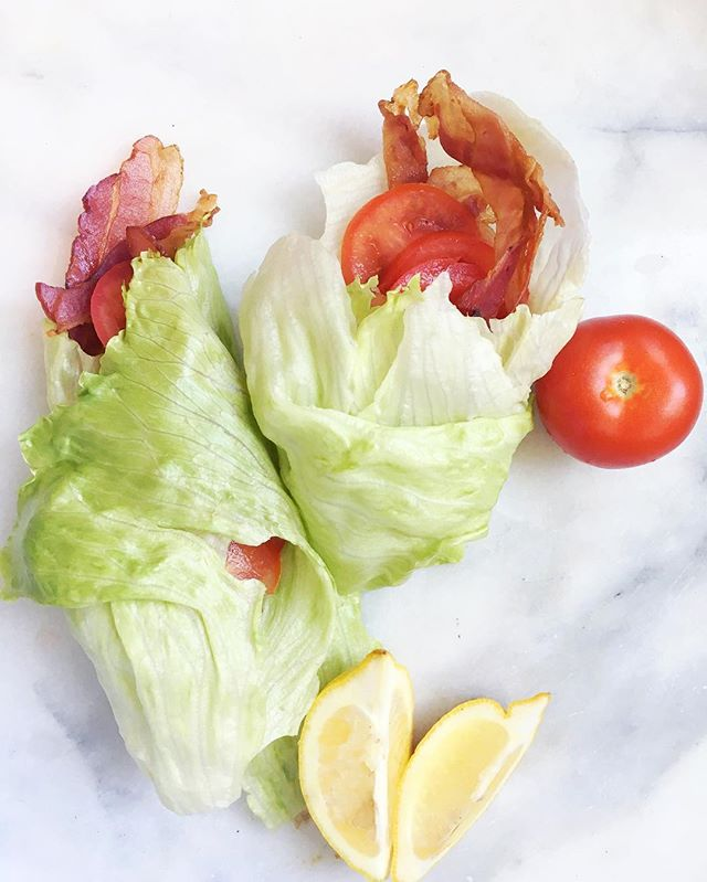 BLT lettuce wraps for lunch, as simple as it looks but trust me- add a squeeze of lemon and you'll be blown away 👌🏻🍋 #freshfixrecipes