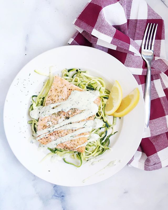 Smoked Garlic Salmon and Lemon Zoodles, ridiculously easy and super healthy too!  Full recipe will be on my @nom channel tonight🍋 link in profile😘 #freshfixrecipes