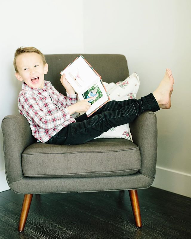 If you know my Greyson you know this pose isn't staged!👆🏻😂 I've been rounding up some of my fav Christmas gift ideas to share and while I think everyone is a @chatbooks fan already -- I wanted to share one of our favorite ways we use them! Not only are all our Instagrams delivered to us in cute little books but I also love taking pics of my kids art drawings and we get those printed as well. The kids feel so special when their books show up in the mail, it encourages them to draw more (yay a distraction from screens🎉) and get to 60 pages (that's how many are in the book!) AND it keeps alllllll the art work saved nicely and not littered all over my house 😳 we all win with @chatbooks - tonight is the LAST NIGHT to save 20% with code ASHLEY , it's the perfect gift for your kids, photo books for parents etc. Happy Holidays❤️ #freshfixgiftguide