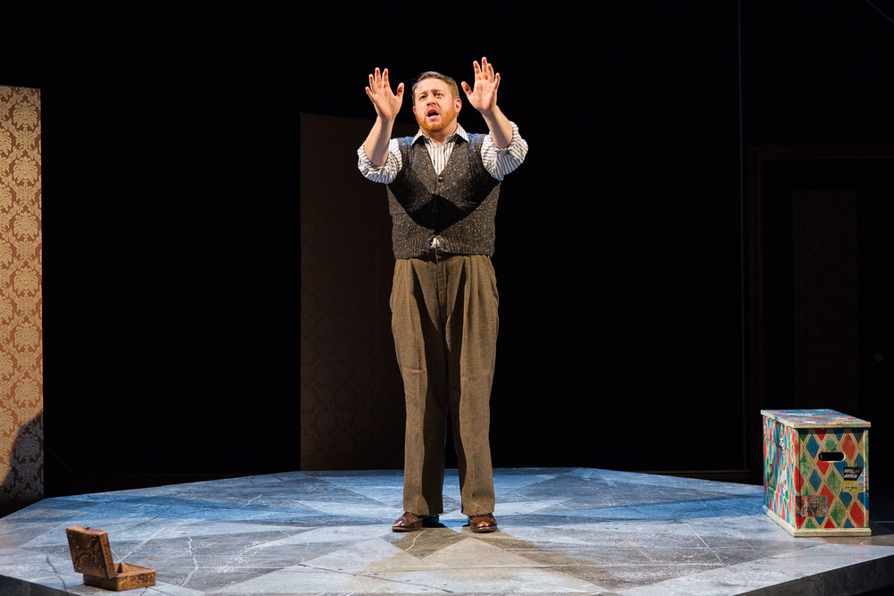 Trey K. Blackburn (Player King) in Hamlet ; directed by Brad Raimondo, photo by Scott Wynn
