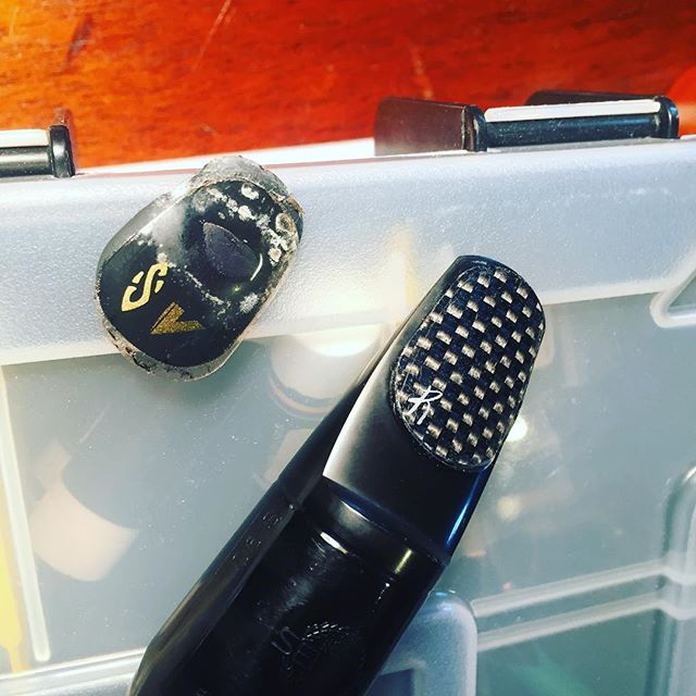 Was overdue for a mouthpiece clean-and-refresh! #saxophone #mouthpiece #carbonfiber #cleanyourgear