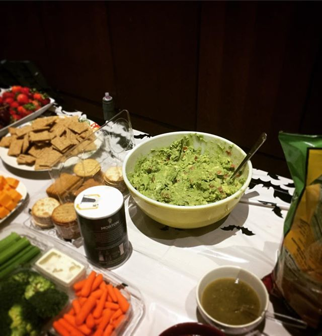 Does your new music concert have table-side guacamole? Ours does.🤘 #burntorangesaxos