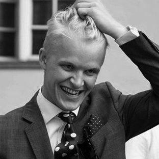 Fredrik Glimskär   CEO, Founder  fredrik@oystr.se