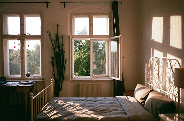 throwback to our perfect airbnb in berlin ☀️☁️ #lotitravels #neukölln #35mm #filmisforever