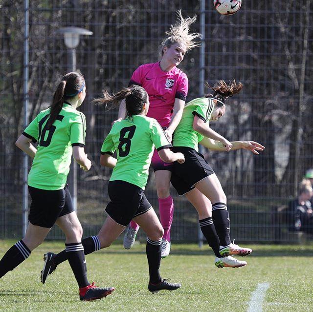 Impressionen des Spiels unserer Frauen 1. Liga gegen den FC Kloten. ⚽️👍🔥#rückrundenstart #ffcsuedostzuerich #ffcsuedost #ersteliga #frauenfussball #womensoccer #womensoccerteam #soccer #fussball #frauenamballbesseralsmanndenkt #rückrunde #saison1819