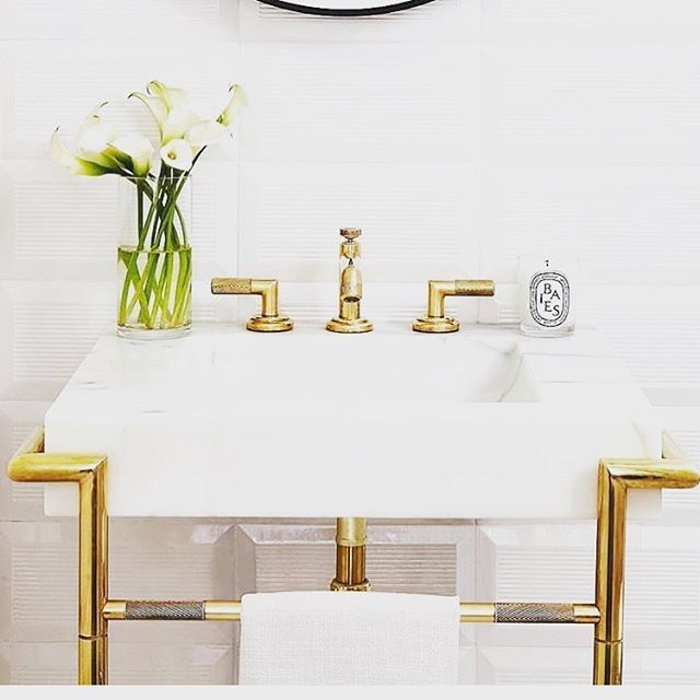 What are your thoughts on gold fixtures? @kohler  #kohler #stellar #remodel #renovation #design #home #bathroom #remodeling #charlottesville #virginia #uva #va #charlottesvilleremodel #charlottesvillerenovation #bathroomgoals #gold #neutral #trending #bathroomtrends2018