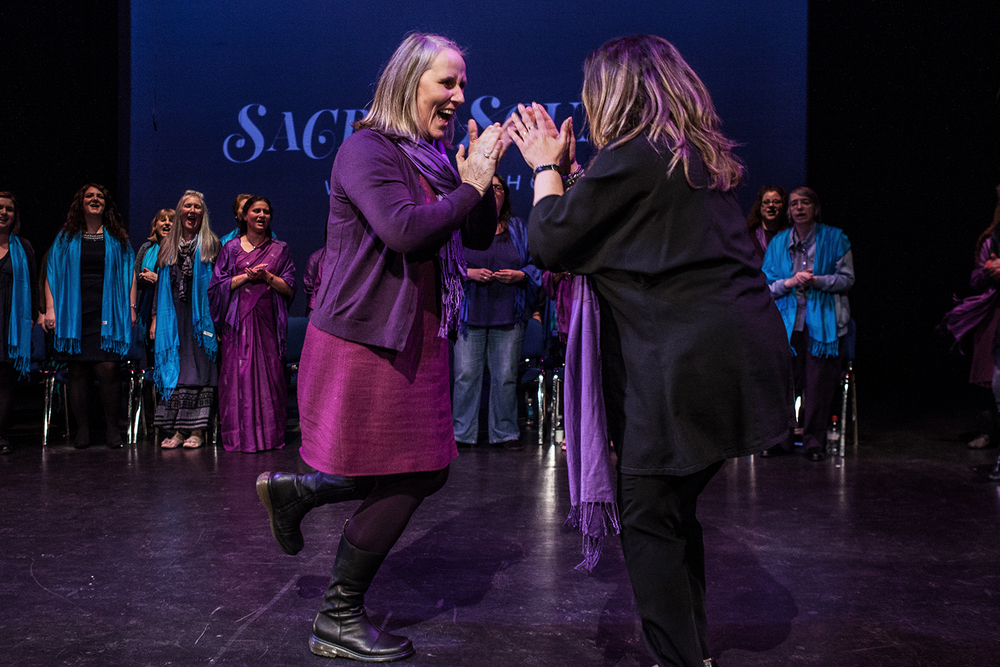 Beth Allen and Reem Kelani performing with the Sacred Sounds Women's Choir Photo: Michela De Rossi