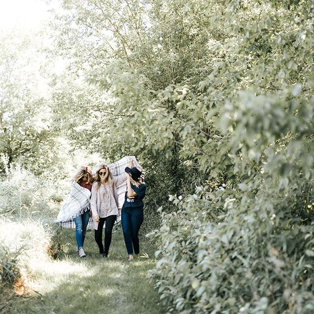 Can't get over how much I LOVE the photos from our @tulaboutique fall shoot!! If you don't already, go follow and check out our collection! You can get 20% off your first purchase! ❤️📷: @katebecker.mn